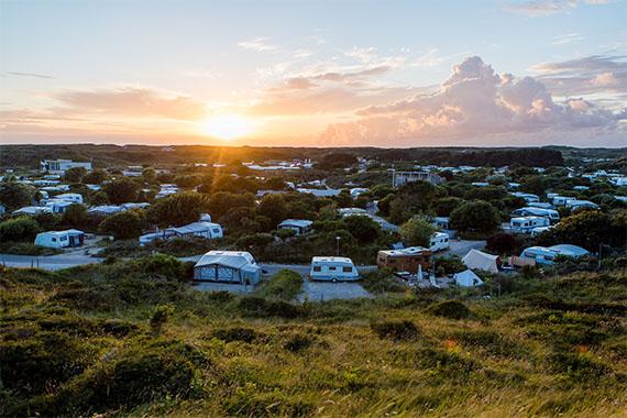 camping de_lakens bij ondergaande zon