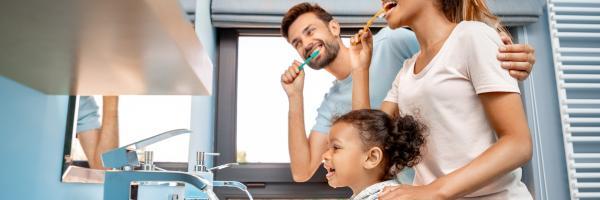 badkamer tanden poetsen