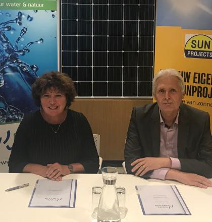 ondertekening contract zonnepanelen