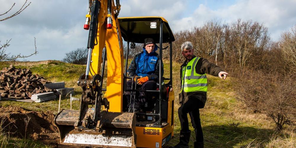 Foto op locatie project van de bouw van de trap trap Papenberg Castricum met projectleider Martijn van Schaik