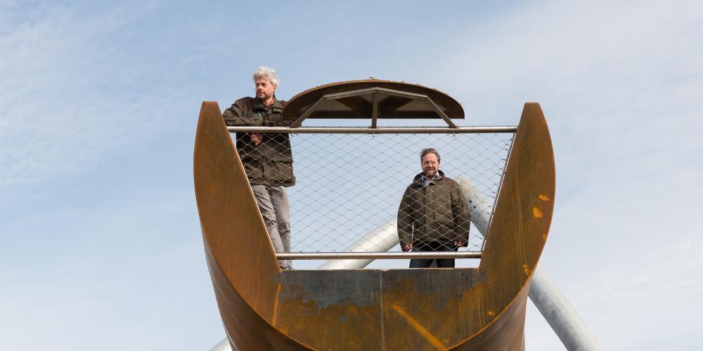 Martijn van Schaik en Raymond Duindam openen de uitkijktoren op de Papenberg