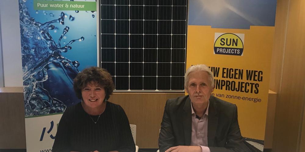 ondertekening contract zonnepanelen